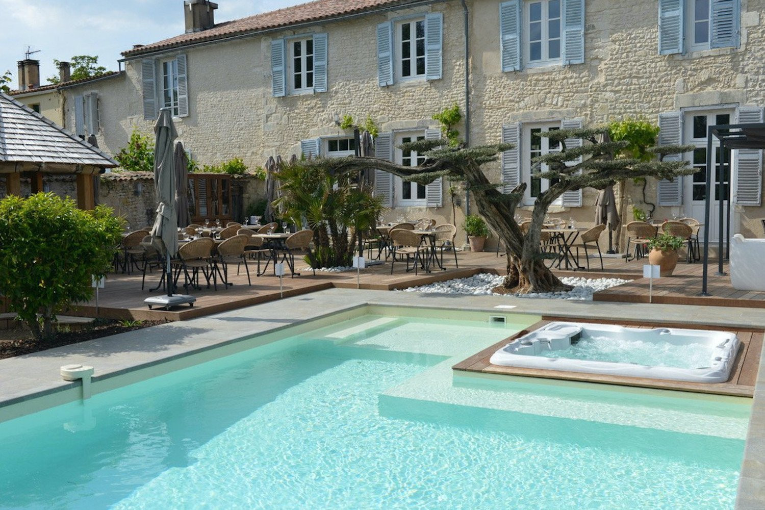 our selection of houses for sale in La Rochelle