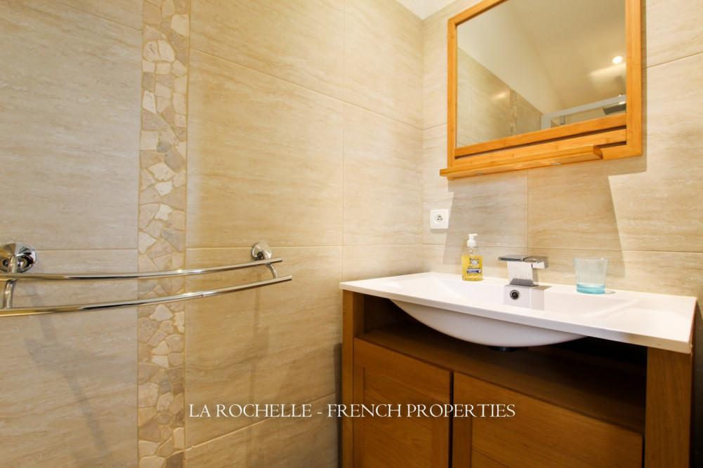 Property for sale - Maison La Flotte MR-114