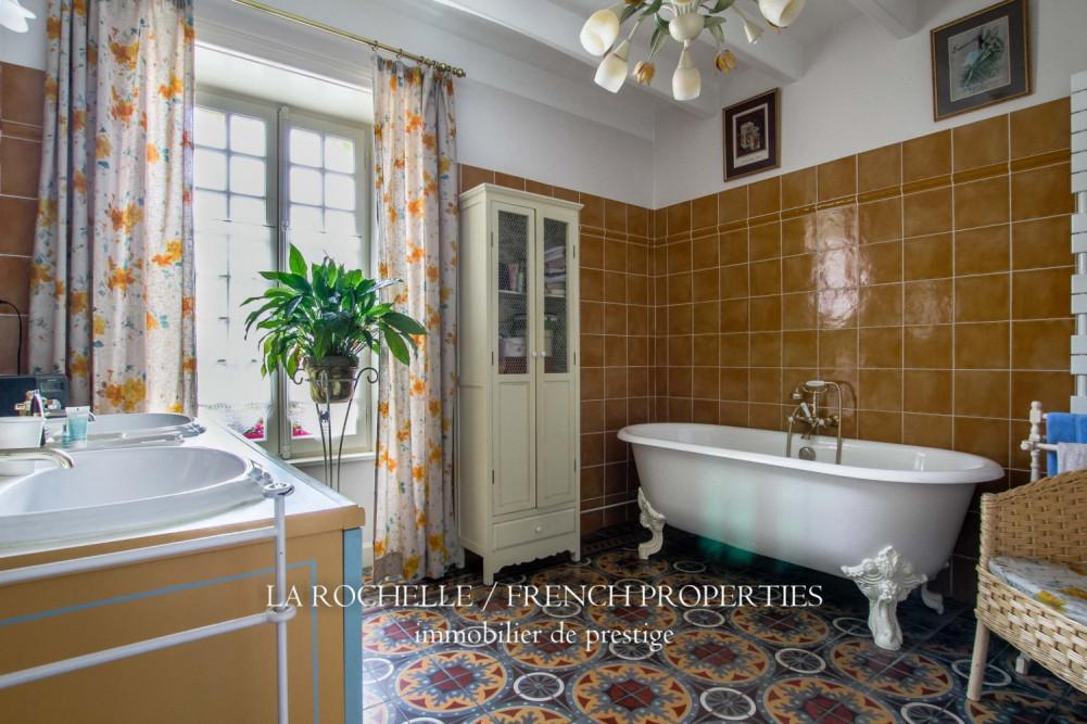 Property for sale - Maison Fontenay-le-Comte CG-101
